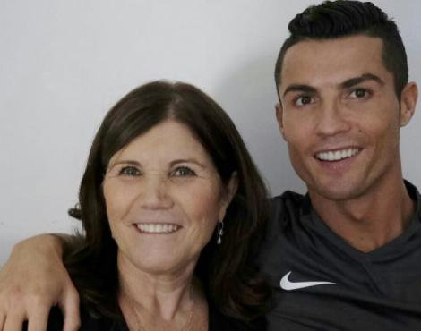 """""""Fiz de tudo para abortar, mas Deus não deixou"""", diz mãe de Cristiano Ronaldo"""