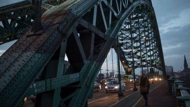 Foto da Ponte Wearmouth, na Inglaterra