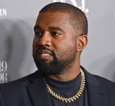 """""""Todos os dias que não pego uma bebida, venço o diabo"""", diz Kanye West sobre libertação"""