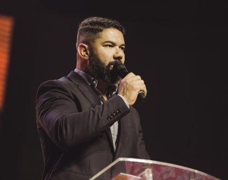 Bispo Lucas Cunha destaca que Noé encontrou o favor de Deus