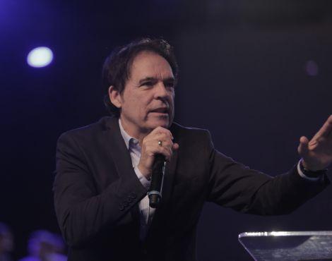 """Estamos voltando à igreja primitiva"", diz Bispo Robson Rodovalho em entrevista"