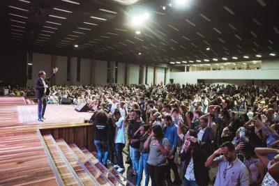 Bispo Rodovalho ministrou na terça-feira que cada novo ciclo requer um novo Altar