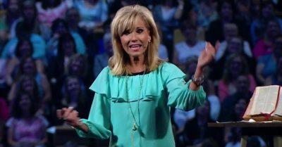 Evangelista afirma que memorizar versos bíblicos a ajudou a superar abusos na infância