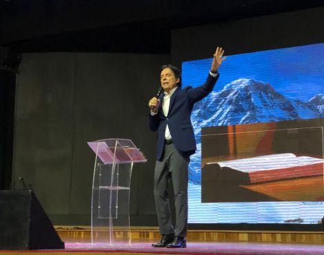 Bispo Rodovalho ministrou que Deus usa métodos para restauração
