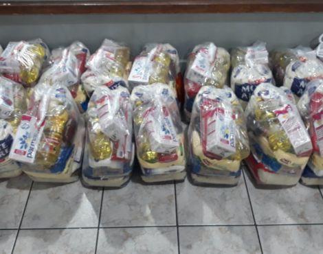 SNT Lavras distribui mais de 100 cestas básicas para população carente