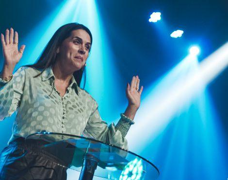Bispa Priscila Rodovalho Cunha pregou  sobre ver mais longe