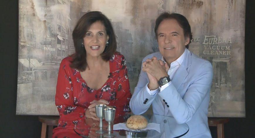 Bispos Robson e Lúcia Rodovalho ministram Santa Ceia no domingo