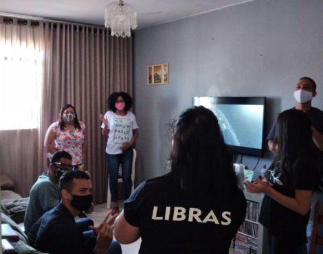 Comunidade Surda e Intérpretes da SNT realizam 1º Revisão de Vidas on-line