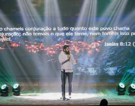 Bispo Lucas Cunha ministrou sobre ter paciência em esperar em Deus