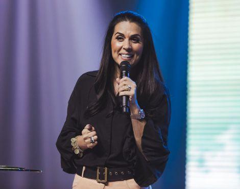 Bispa Priscila Rodovalho Cunha ministrou sobre força e propósito