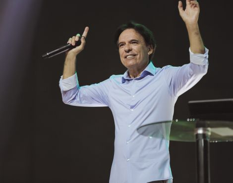 Bispo Robson Rodovalho ministrou na terça sobre mãos fortalecidas