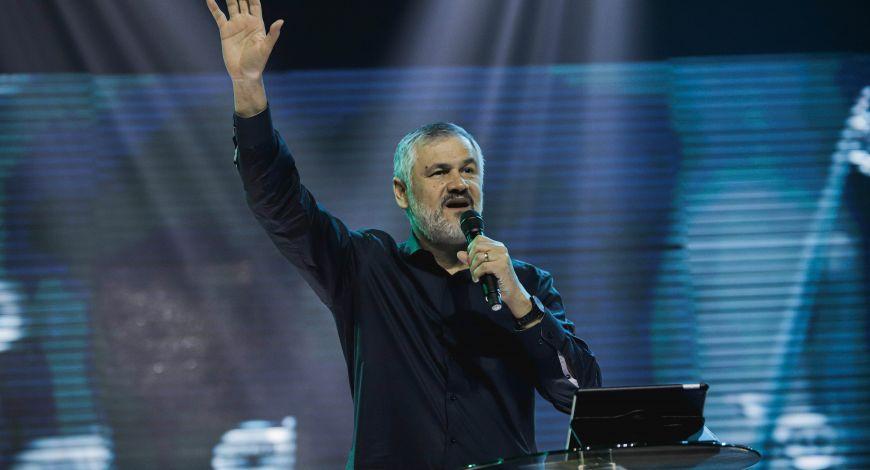 Bispo Hugo de Jesus ministra sobre atitude de um coração sincero