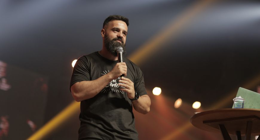 """""""Decisão implica responsabilidade"""", declara Pastor Lucas Pontes"""