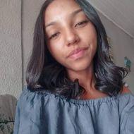 """"""" Eu era introvertida e cheia de medo"""", recorda Débora Muniz"""