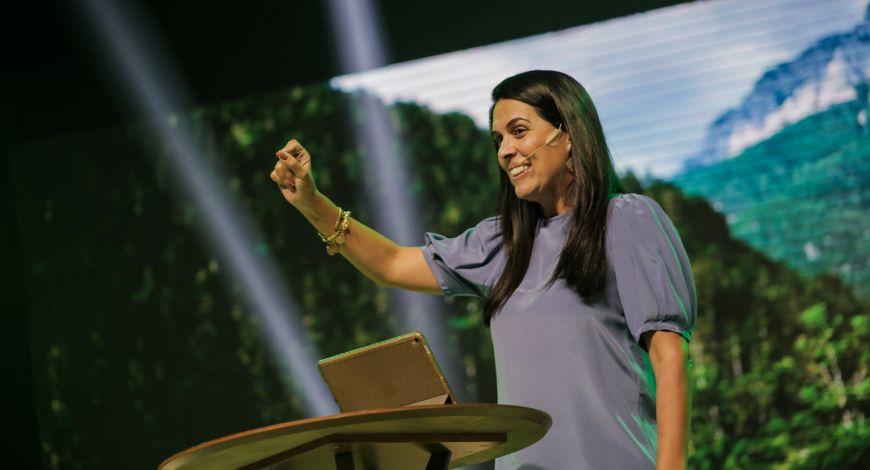 Culto da Fé: Bispa Priscila Cunha Rodovalho ministra sobre alcançar a providência