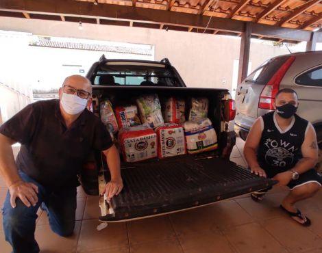 400 cestas básicas sãoentregues pela Sara para famílias carentes