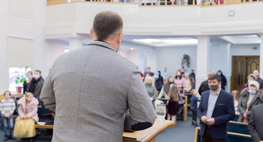 Pesquisa mostra impacto da covid-19 para os cristãos praticantes