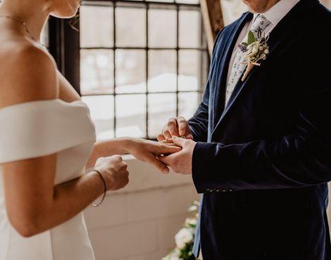 Cristãos são mais felizes com seus casamentos do que os não-cristãos