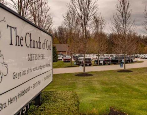 """""""Deus foi esquecido"""": Canadá multa igreja por realizar culto ao ar livre"""